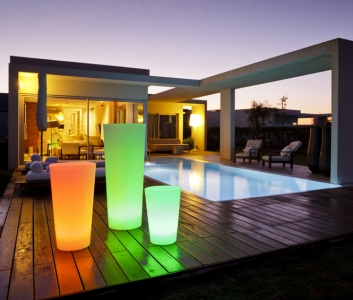 beleuchtete blument pfe online kaufen. Black Bedroom Furniture Sets. Home Design Ideas