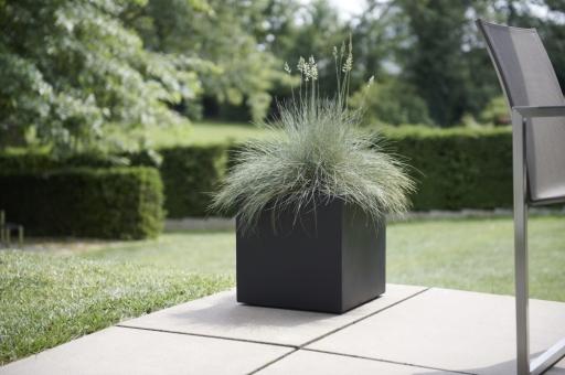 BASE3 Fiberglas Blumenkübel Manhatten 47 cm schwarz